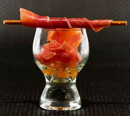 Verrines façon cuisine créative  au melon de Cavaillon et jamb